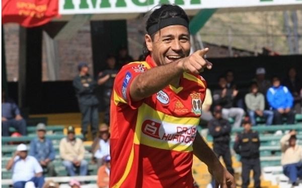 'Checho' Ibarra figura como uno de los máximos goleadores del mundo