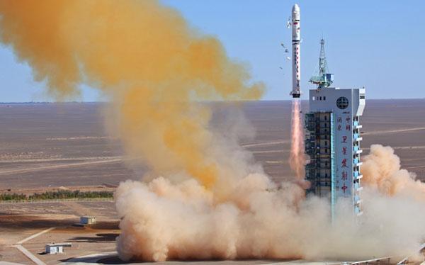 Venezuela lanzó un satélite desde China a pocos días de las elecciones