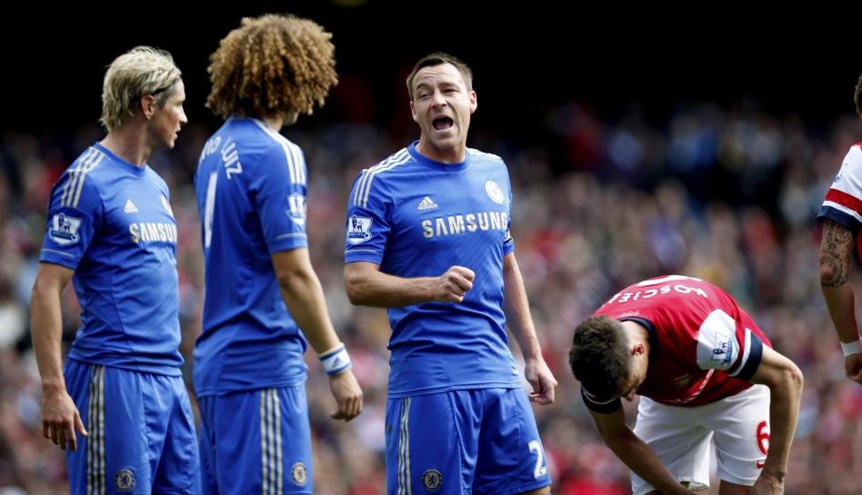 FOTOS: John Terry olvidó su suspensión, estuvo eufórico y acaparó miradas en triunfo del Chelsea sobre Arsenal