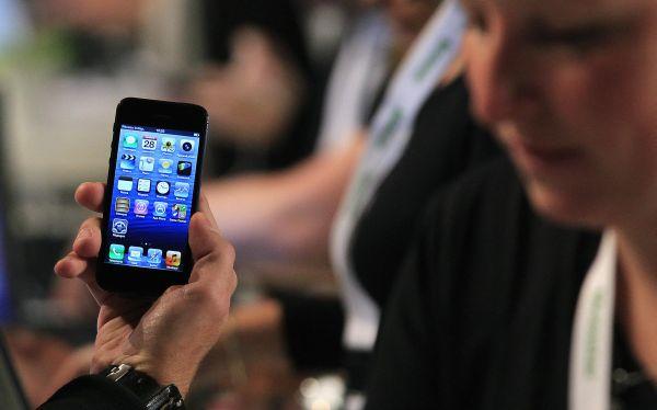 """Samsung demandó a Apple: """"El iPhone 5 viola ocho de nuestras patentes"""""""