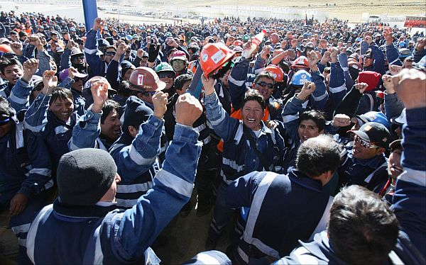 Trabajadores de minera Shougang Perú levantaron huelga indefinida