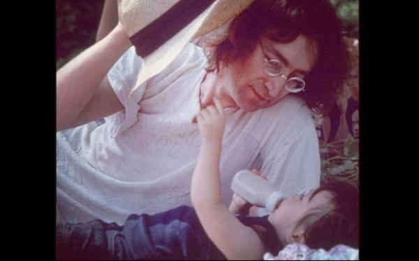 Yoko Ono compartió foto recordando cumpleaños de John Lennon y su hijo