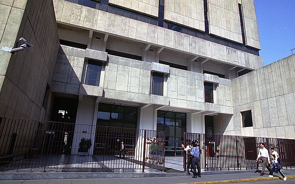 BCR advirtió que persisten riesgos por morosidad en créditos vehiculares