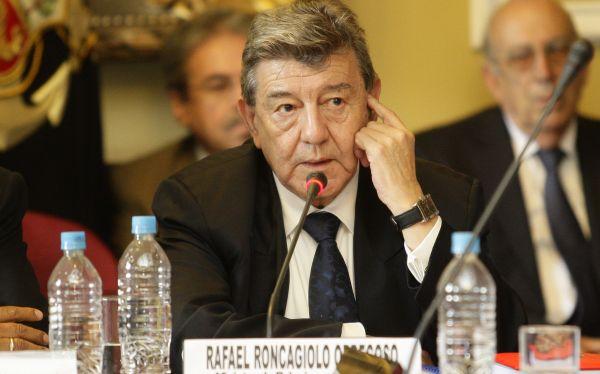 Creación de distrito electoral para peruanos en el exterior se discutirá hoy en el Congreso