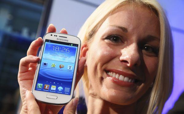 Samsung presentó una versión 'mini' del teléfono Galaxy S3