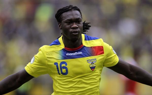 Ecuador le dio vuelta por 3-1 a Chile en Quito