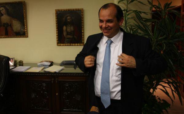 Luis Miguel Castilla es el mejor ministro de Economía de la región, según revista inglesa