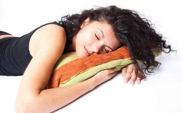 Insomnio: cinco alimentos que podrían causarlo