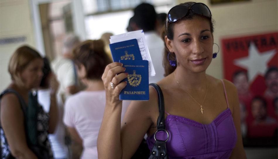 Desde hoy los cubanos no necesitan permiso del Gobierno para salir del país