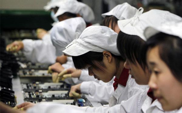 Proveedor de Apple es acusado por violación de derechos laborales