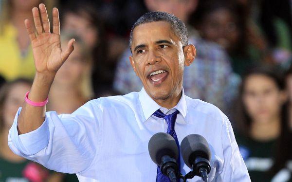 Obama se concentra en mujeres y Libia un día después de debate con Romney