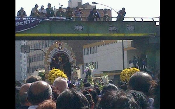 FOTOS: así fue el recorrido del Señor de Los Milagros ayer, de La Victoria a Las Nazarenas