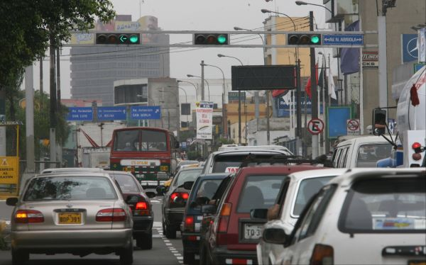 ¿Podrá una autoridad autónoma solucionar el caos vehicular de Lima?