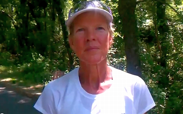 Diane Van Deren, la historia de una súper atleta que corre como Forrest Gump