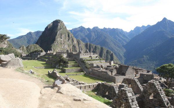 Hallan en Machu Picchu ofrenda incaica y olla ceremonial Chimú