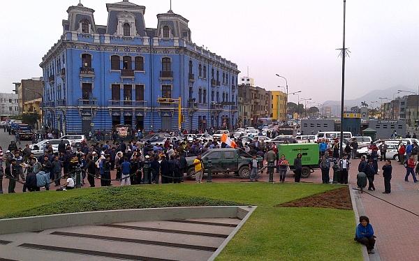 Paro de transportistas: manifestantes partieron hacia el Congreso