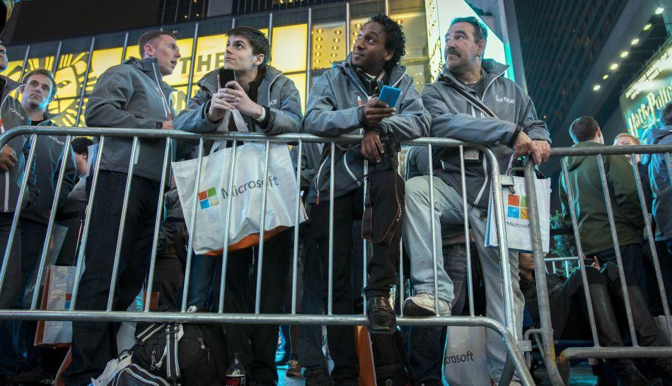 FOTOS: usuarios de Microsoft replicaron expectativa que generan los productos de Apple