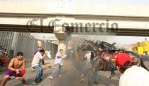 FOTOS: así fue la brutal agresión a policía montado en La Parada - Noticias de percy huamancaja
