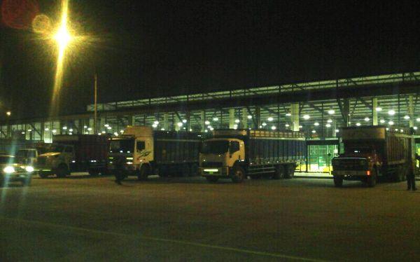 Camiones dejan La Parada y ya abastecen el mercado de Santa Anita