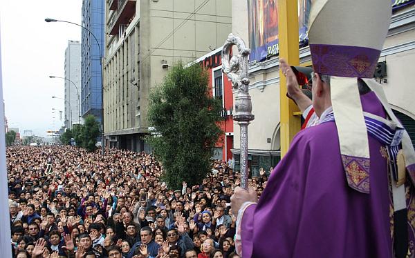 Cardenal Cipriani pidió paz y justicia en respuesta a violencia en La Parada
