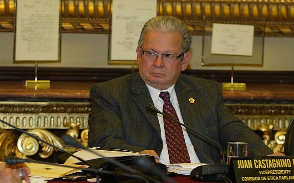 Castagnino formaliza pedido para investigar a Diez Canseco