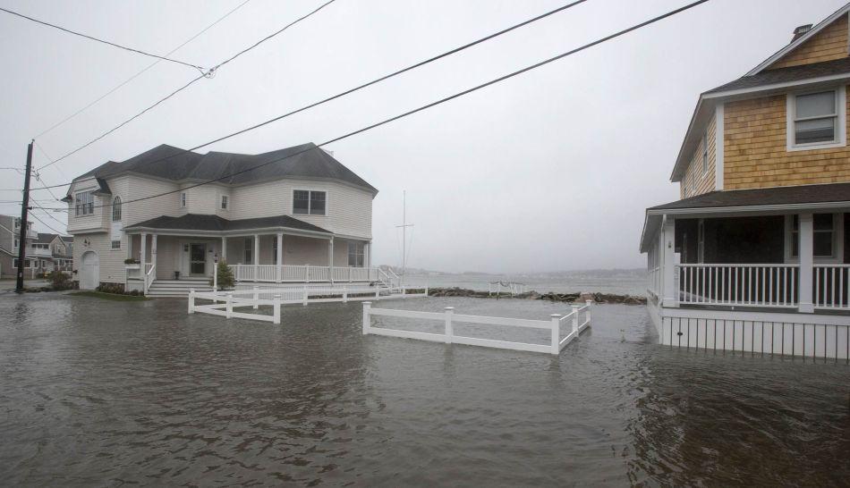 FOTOS: Huracán Sandy ya hace notar su presencia en las costas de Estados Unidos