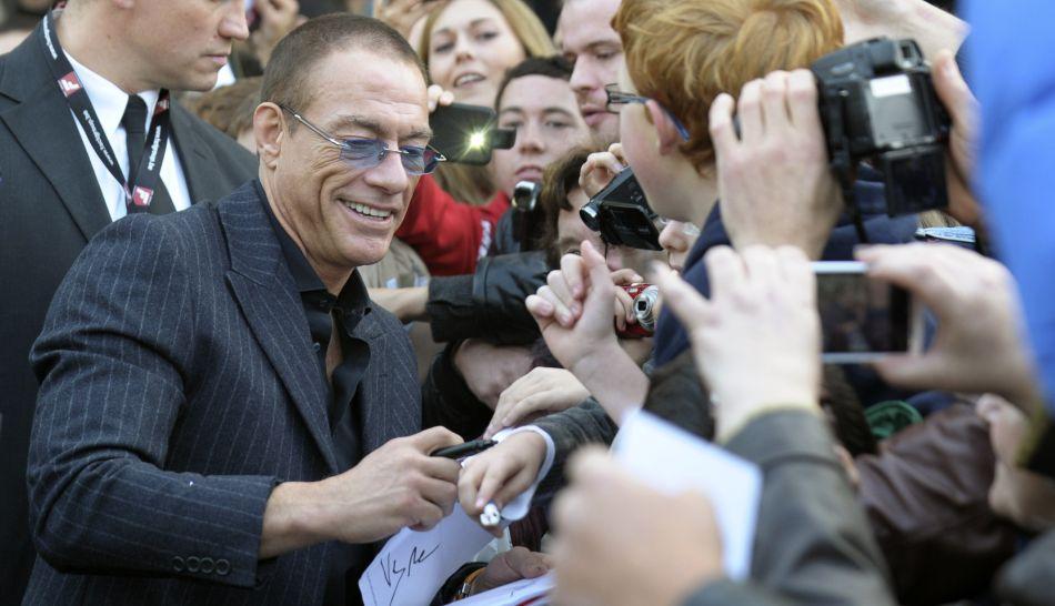 FOTOS: la estatua de Jean-Claude van Damme fue develada en Bélgica