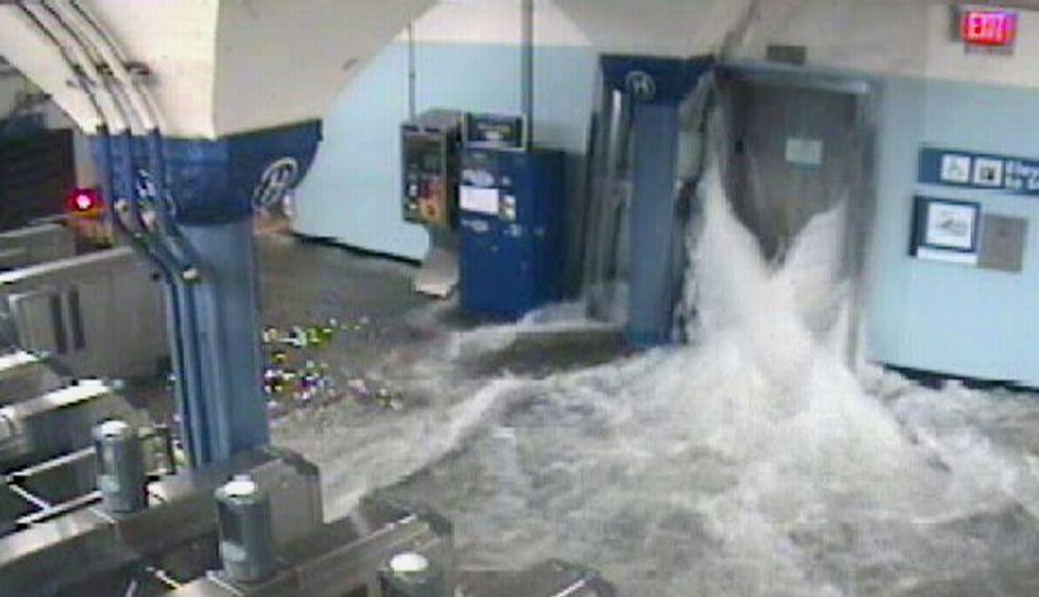 FOTOS: Nueva York quedó inundada y en penumbras por el paso del huracán Sandy