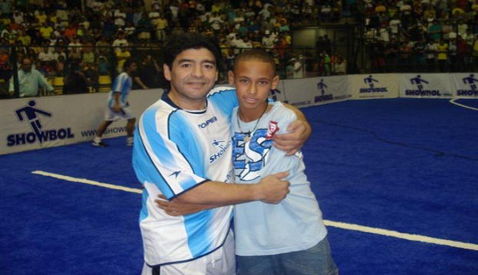Neymar mostró foto de niño con Maradona por cumpleaños del ex '10' argentino