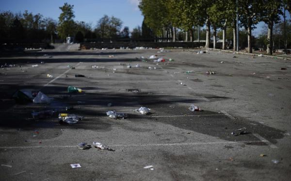 Tragedia de Halloween: mueren 3 jóvenes tras la explosión de una bengala en España