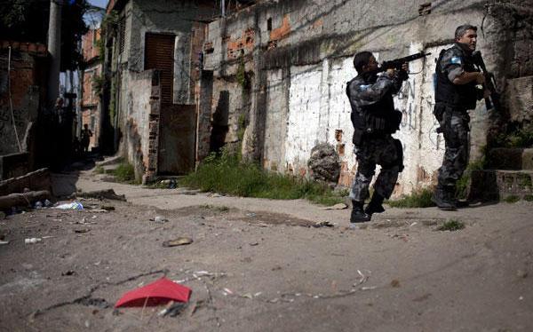 La policía de Brasil descubrió un narcotúnel entre favela y universidad