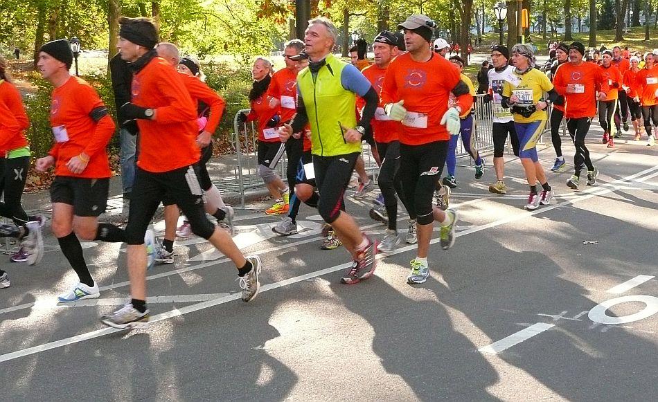 FOTOS: maratonistas corrieron por calles de Nueva York a pesar del huracán Sandy