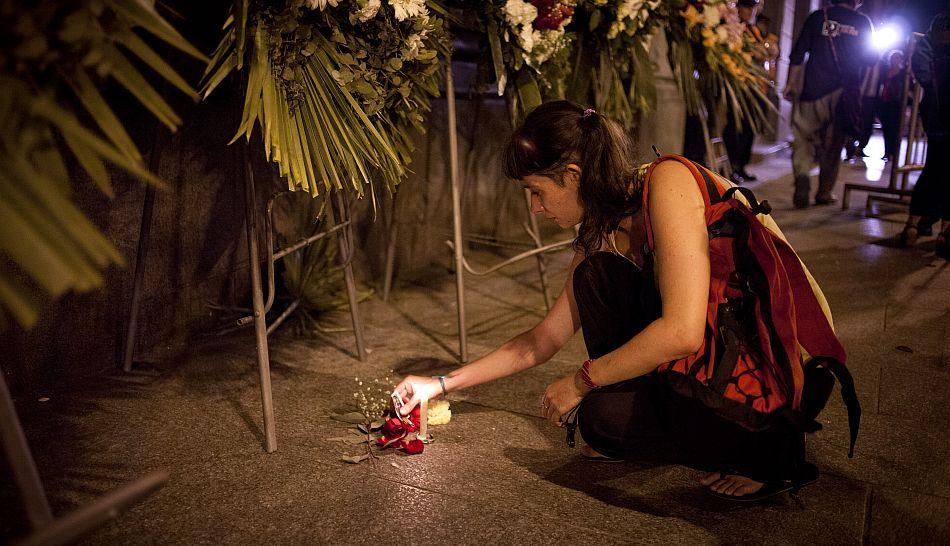 FOTOS: fanáticos en Argentina lloran la partida del ídolo de siempre Leonardo Favio