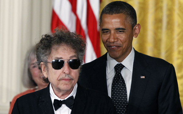 "Bob Dylan pronostica una victoria ""aplastante"" de Barack Obama"