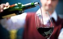 Whisky y vino, las importaciones de licores que más crecerán este año - Noticias de impuesto selectivo al consumo