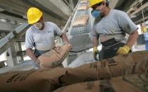 Despachos de cemento cerrarían el año con un avance de 9% - Noticias de cementos yura
