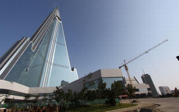 Corea del Norte: hotel Ryugyong será inaugurado a 26 años de iniciada su construcción