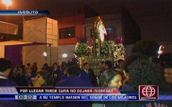 Cura impidió que imagen del Señor de los Milagros entre a iglesia de Breña