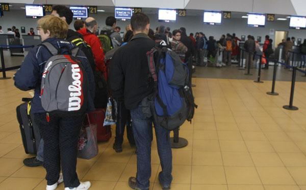 Personas con sordera denunciaron discriminación de aerolínea en aeropuerto