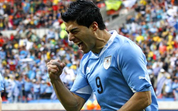 Uruguay derrotó 3-1 a Polonia y volvió al triunfo luego de cinco partidos