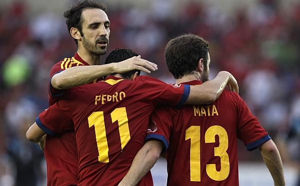 España aplastó 5-1 a Panamá y cerró el 2012 sin una sola derrota