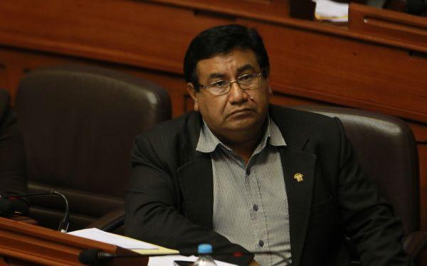 El Congreso rechazó segundo pedido de suspensión para Alejandro Yovera