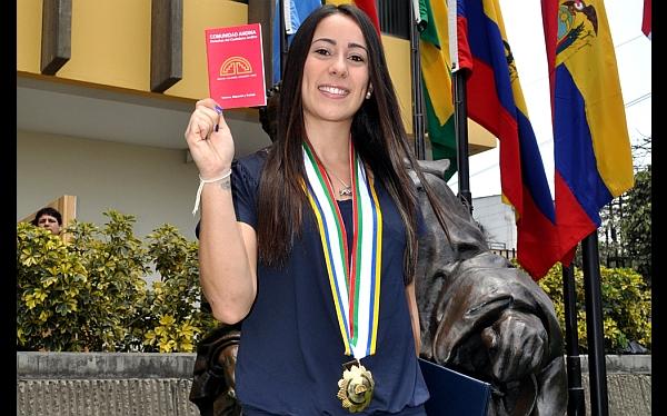La campeona olímpica Mariana Pajón se encuentra de visita en Lima