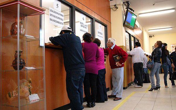Peruanos que retornen al país gozarán de incentivos para su reinserción económica y social