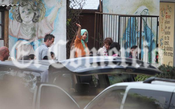 Lady Gaga visitó albergue en Lurín para niñas víctimas ...