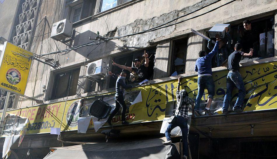 FOTOS: opositores y simpatizantes de Mohamed Mursi se enfrentaron en la capital de Egipto