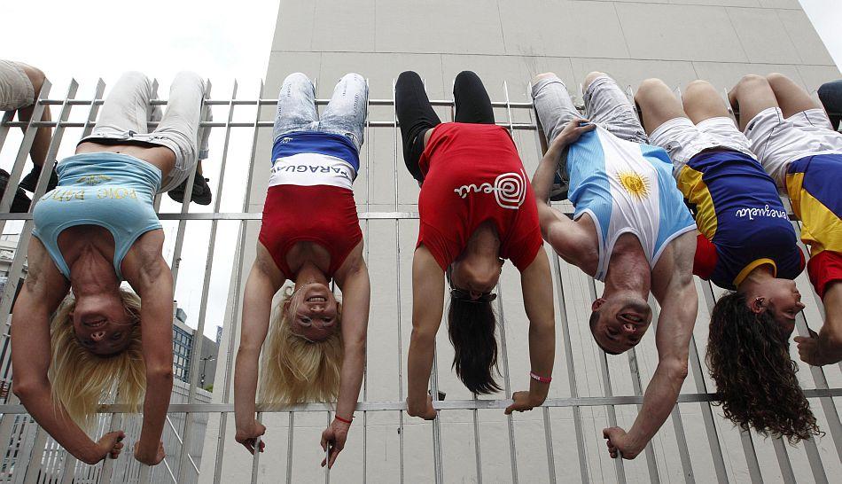 FOTOS: bailarines de 'pole dance' tomaron las calles de Buenos Aires