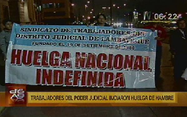 Trabajadores judiciales marchan y bloquean carreteras en Trujillo y Puno