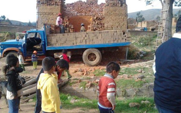 Huancayo: niños que trabajan en ladrilleras recibieron atención médica