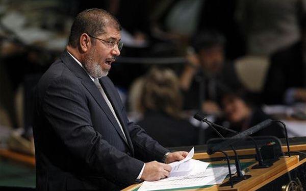 Egipto: Mursi fijó fecha para el referéndum que avalaría la nueva constitución